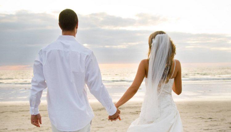 အသက်ငယ်ငယ်ရွယ်ရွယ် အိမ်ထောင်ကျခြင်းသည်မိခင်နှင့် ဆက်နွယ်နေ